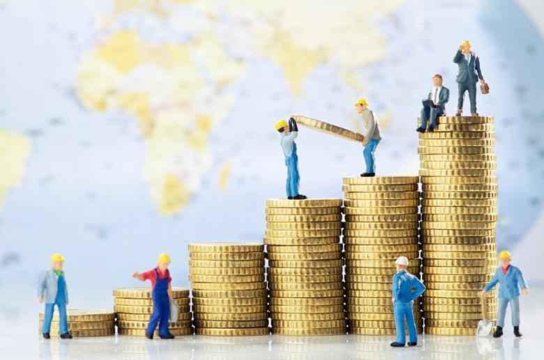 Working men creating global business growth
