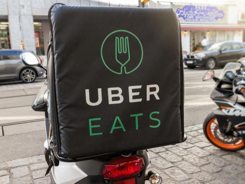 Uber Eats -ruokalähetti Wienissä huhtikuussa 2018.